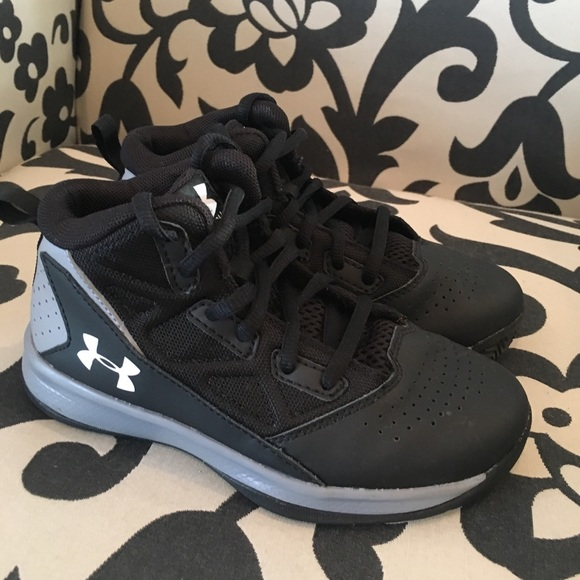 Under Armour Shoes | Size 13 Boys